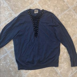 LF VINTAGE LACE UP SWEATER